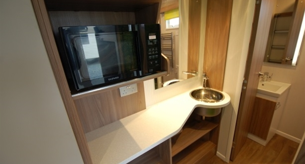 2018 S-Pod 4 Kitchenette