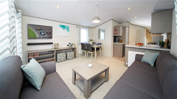 Sandycove - 2019 Atlas Family Van Lounge